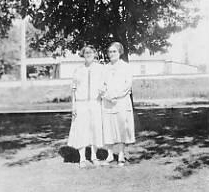 HINSON Dora Ada HINSON May Belle 1927 cropped