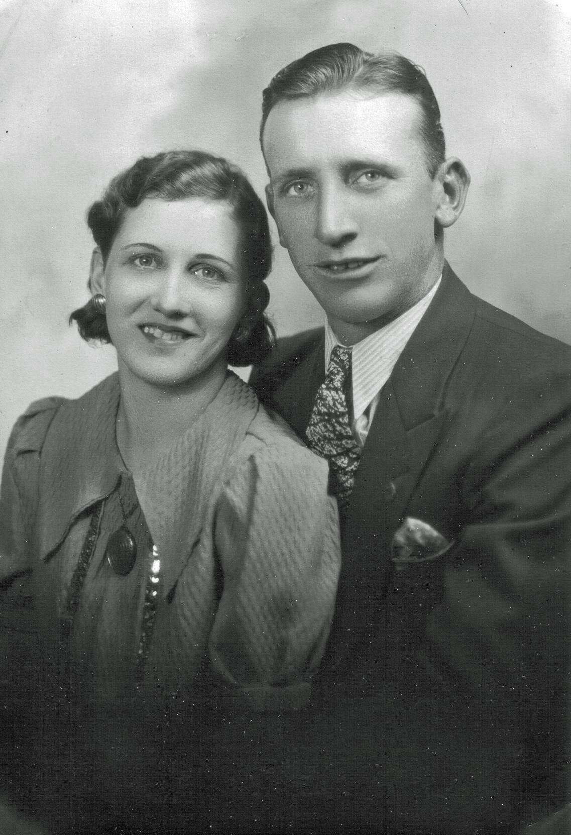 REECE Elmer and SIMPSON Marjorie Wedding photo