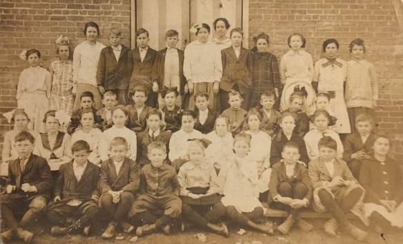 Springdale Grammar School 1914 5th grade Lee Davis Teacher